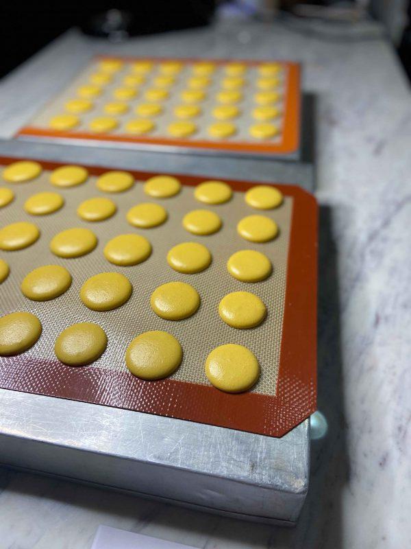 Eggless-Macarons-4